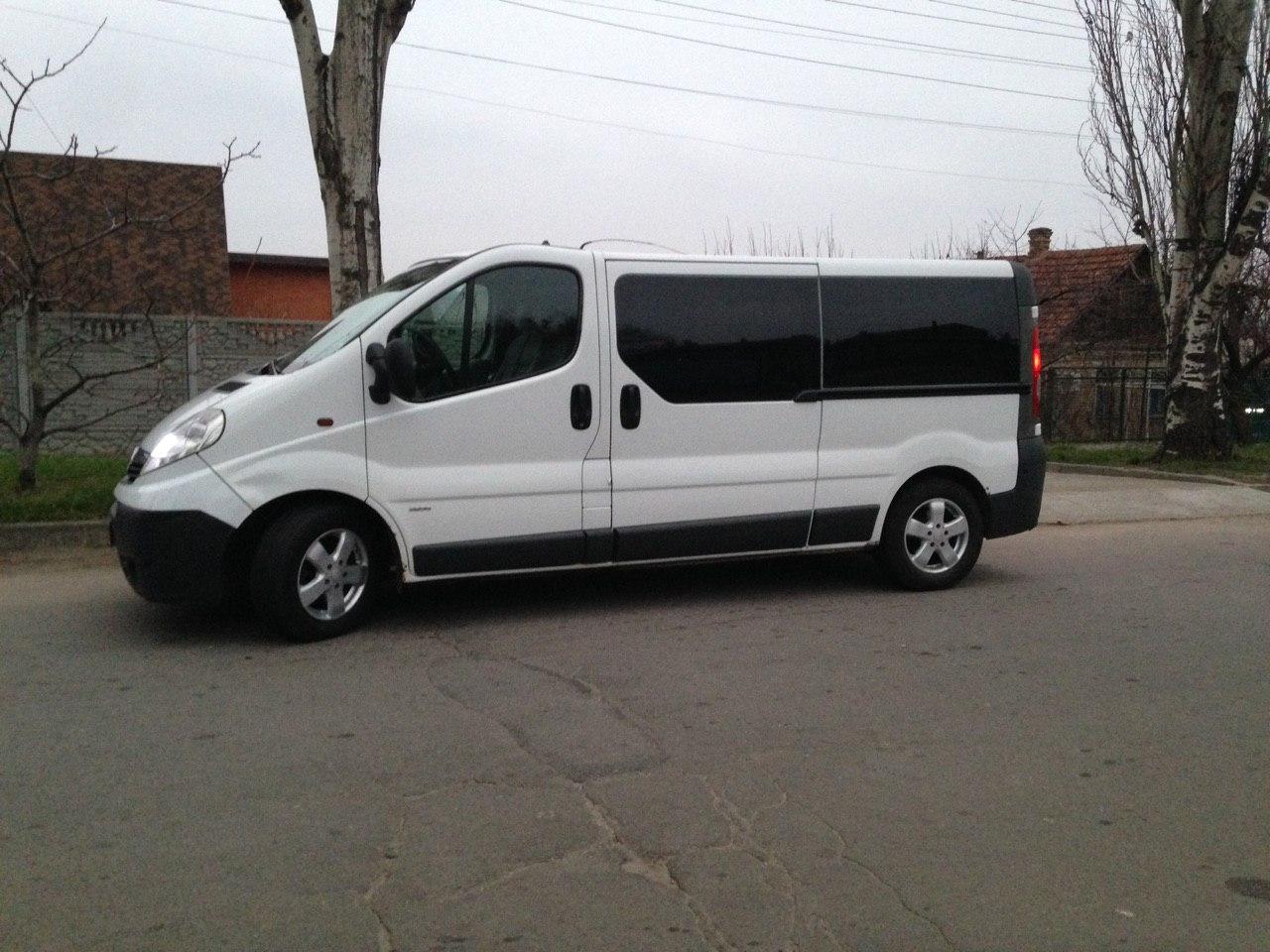 Фото окажу услуги водителя со своим микроавтобусом 7 мест 5