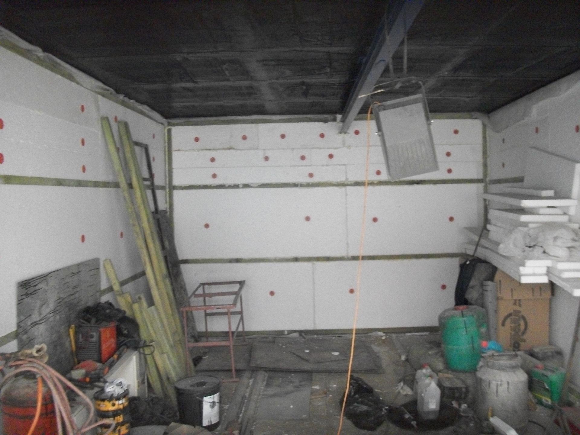Фото Обшывка пинопластом гаража