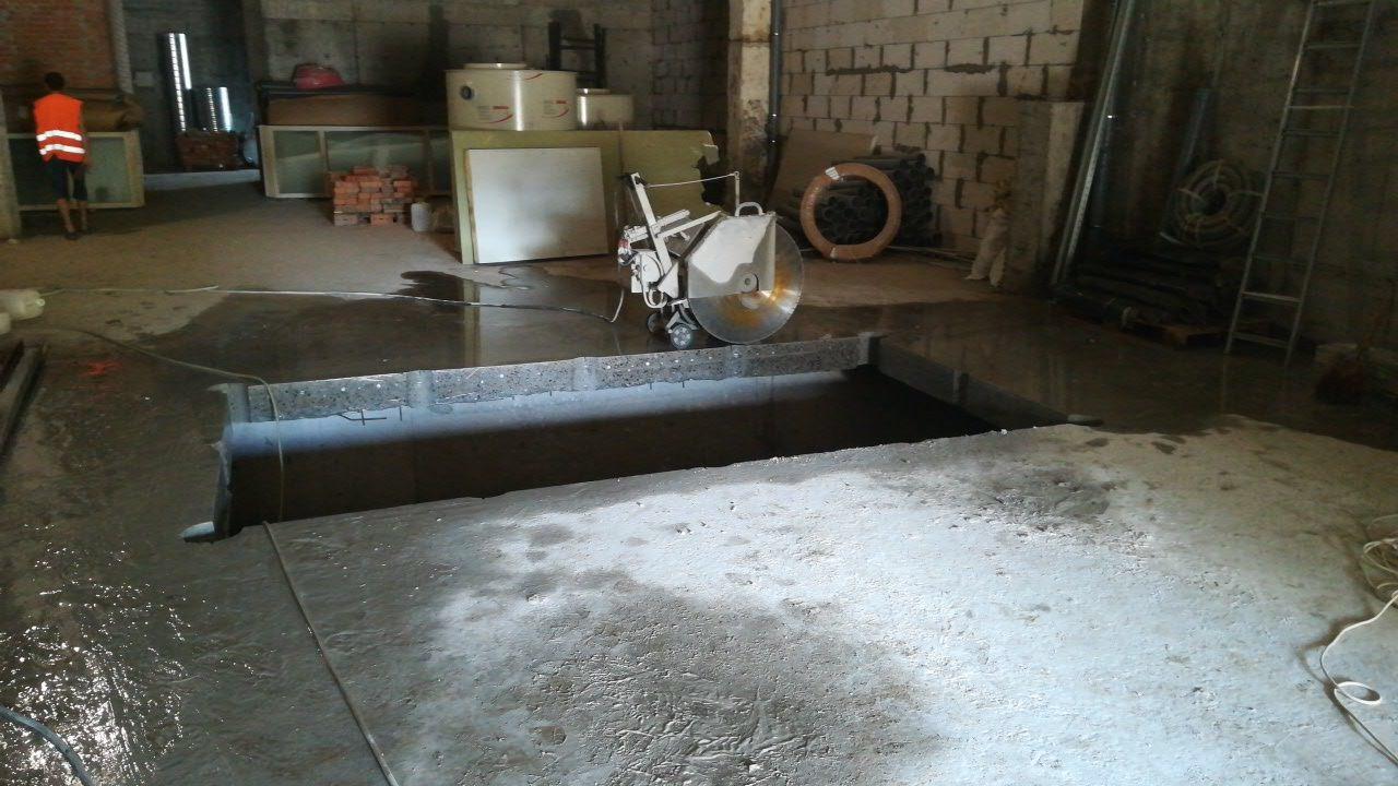 Фото Резка швонарезчиком бетонного перекрытия