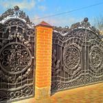 Кованные ворота и двери