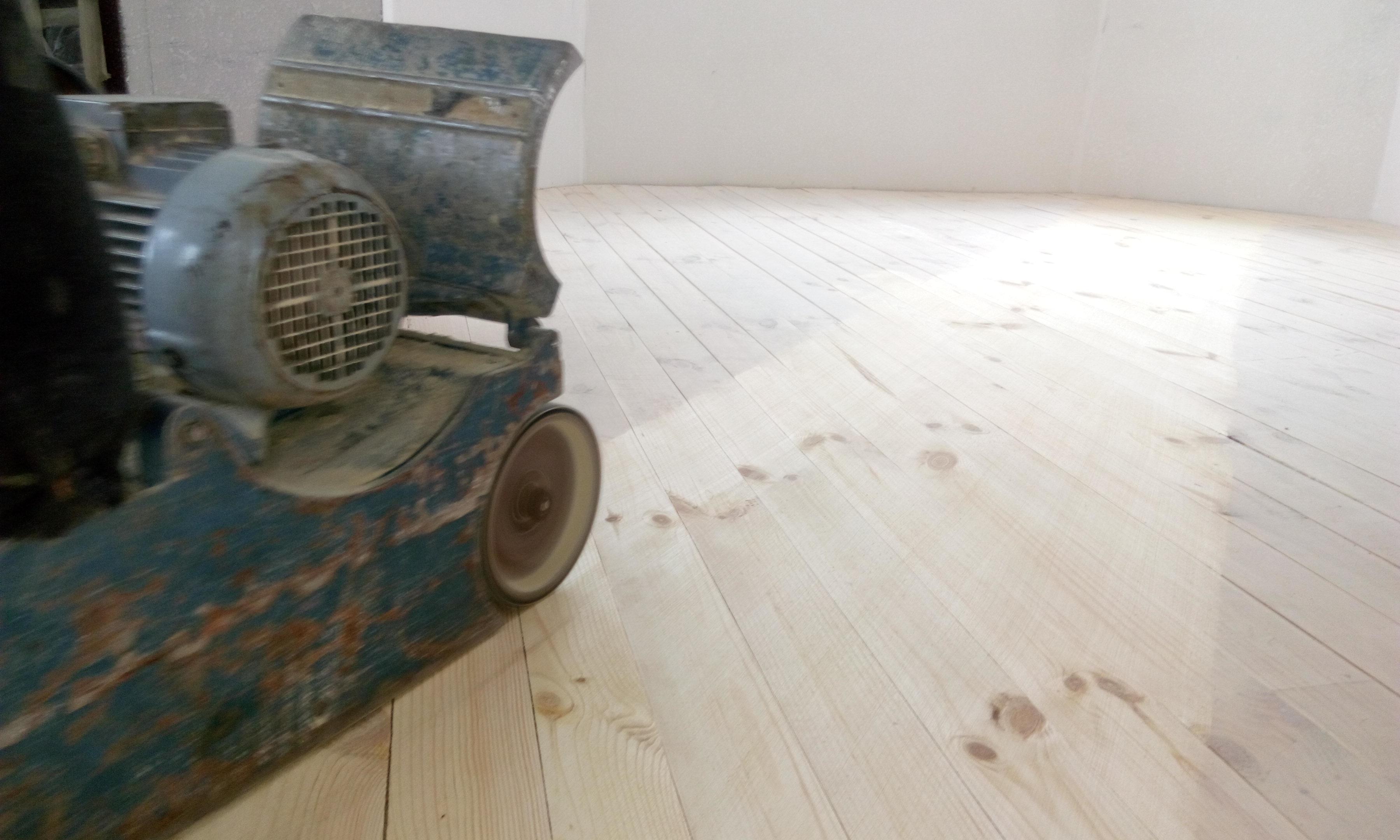 Фото циклевка деревянных полов 2