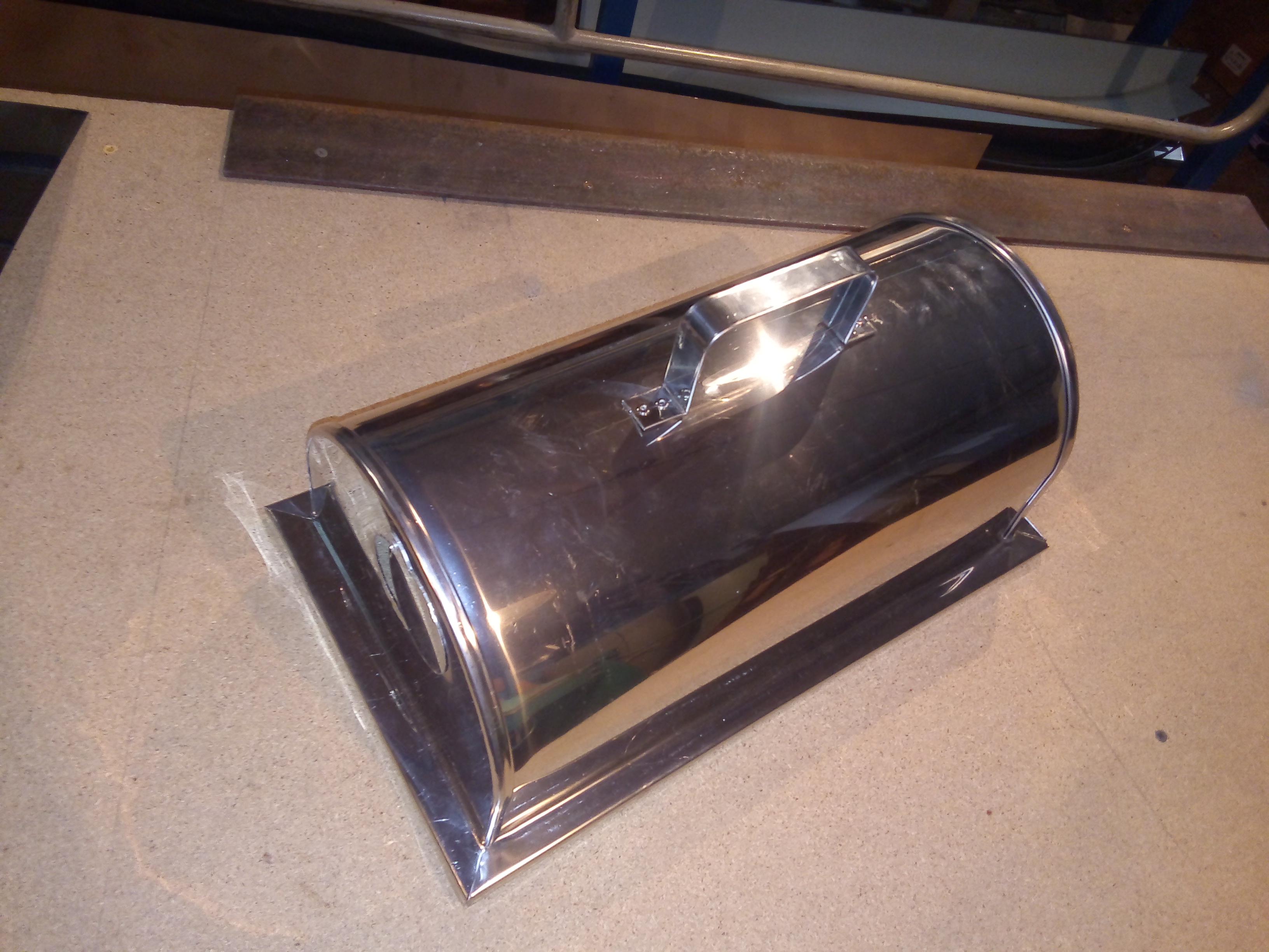 Фото Изготовление изделий из нержавейки, цветного и чёрного метала. На фото - колпак для гриля, ручная работа.