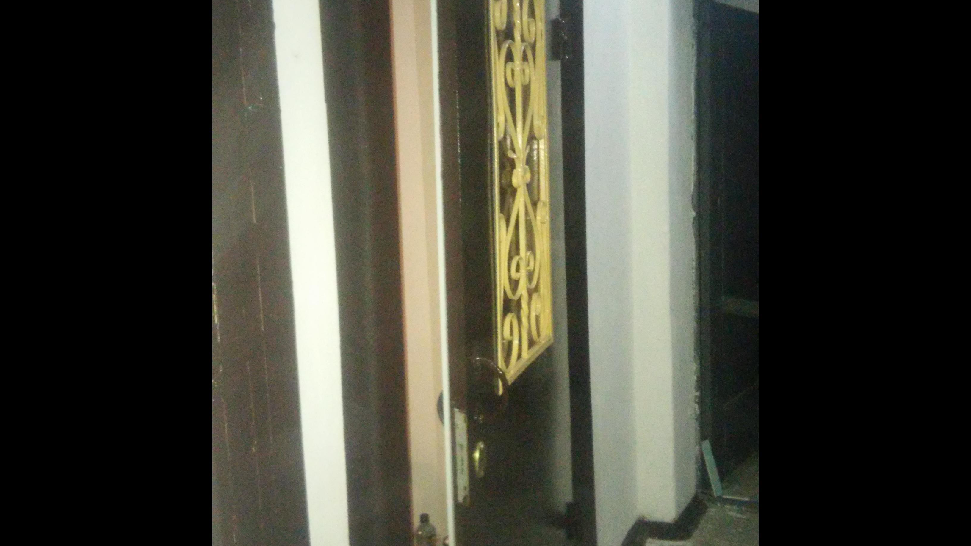 Фото Установка тамбурных дверей за три часа