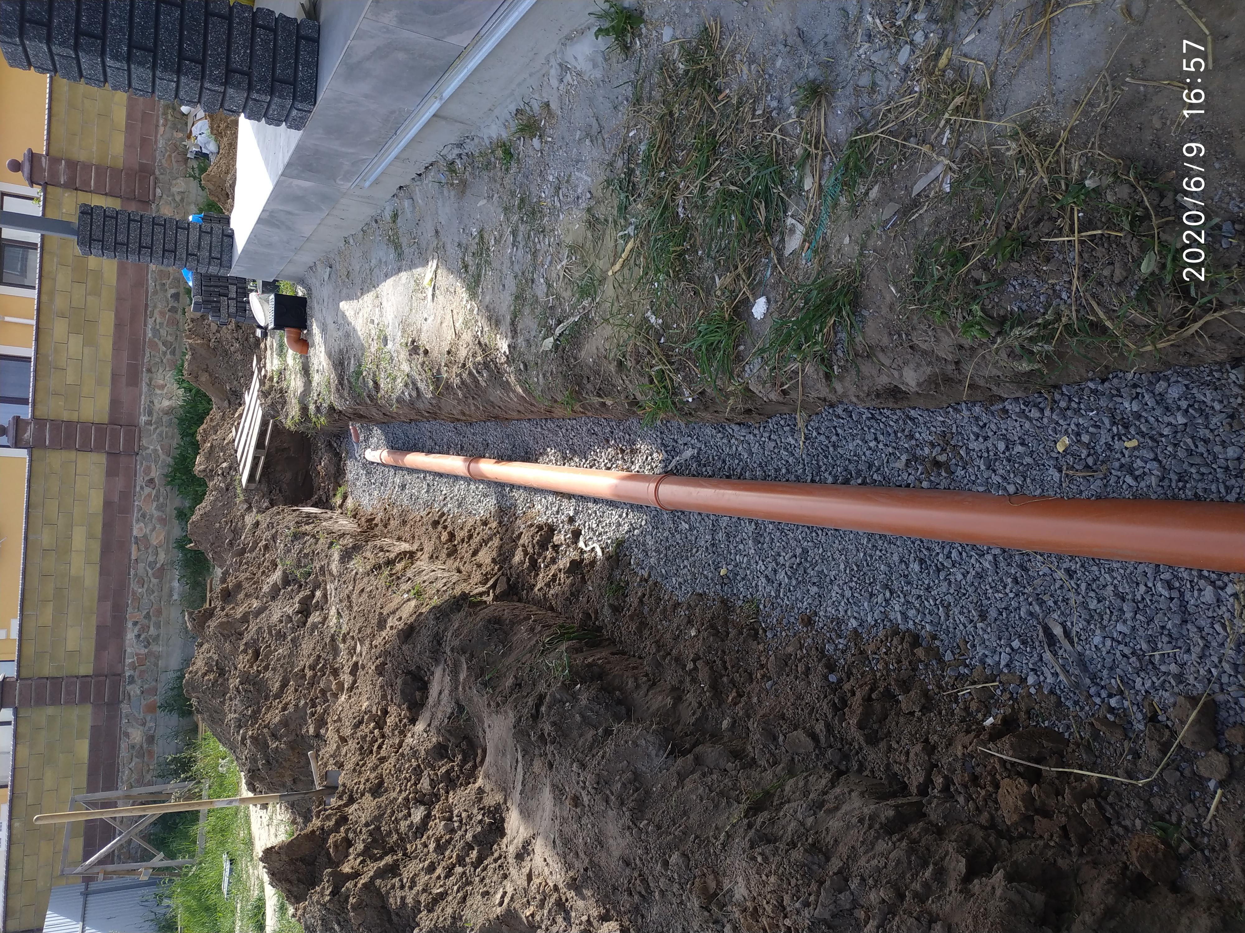 Фото Монтаж канализации и водоотвода