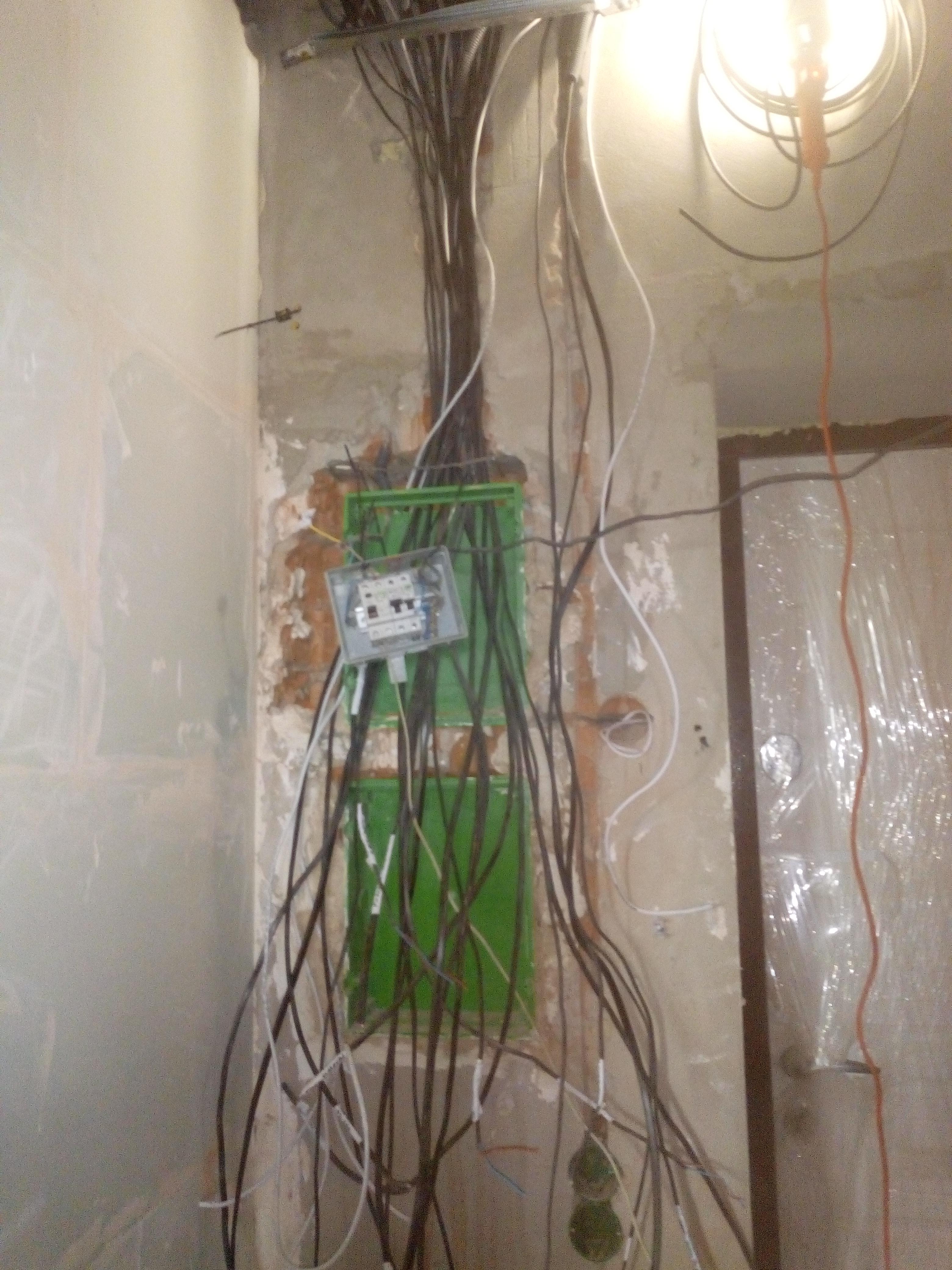 Фото Завершение работ на объекте, сборка щитка электрического