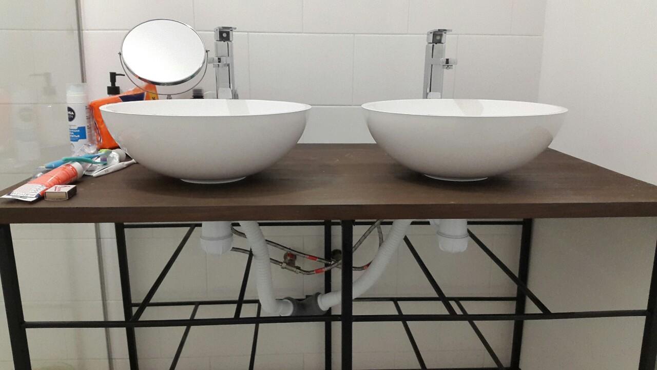 Фото Установка сантехники в ванной комнате.