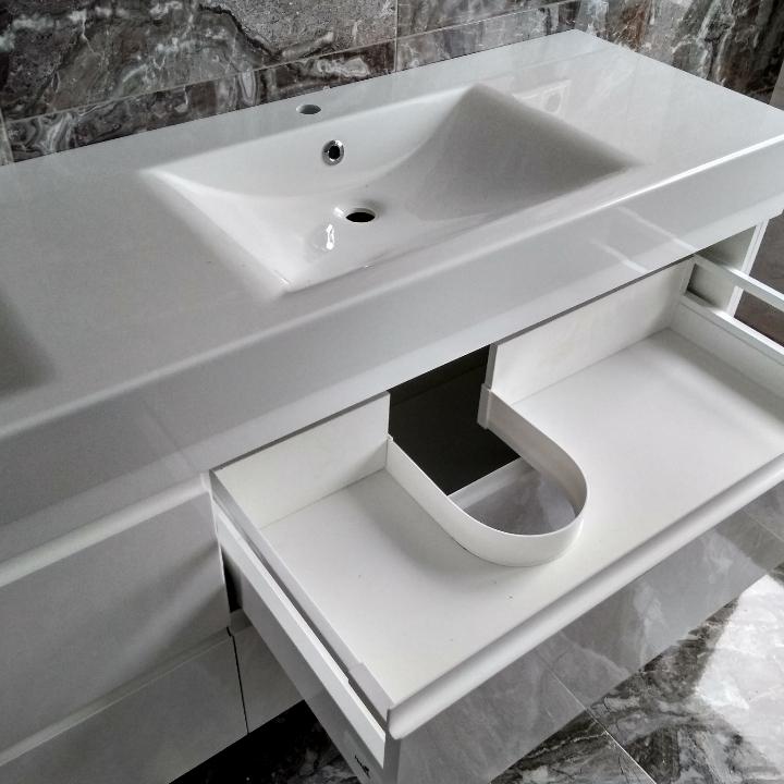 Фото Мебель в ванную комнату. 4