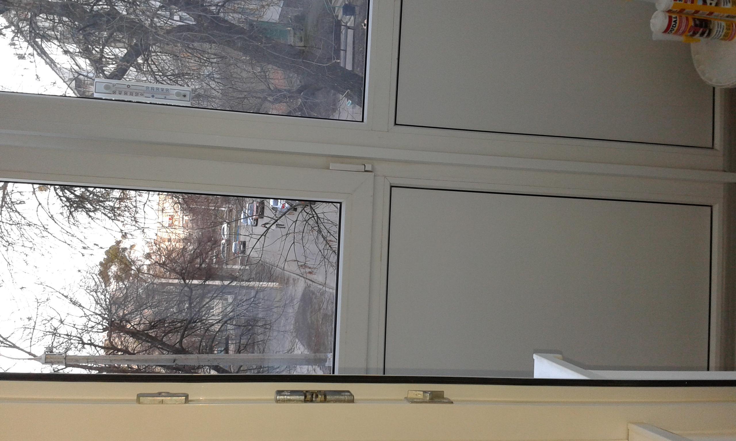 Фото Уборка балкона и рамы.