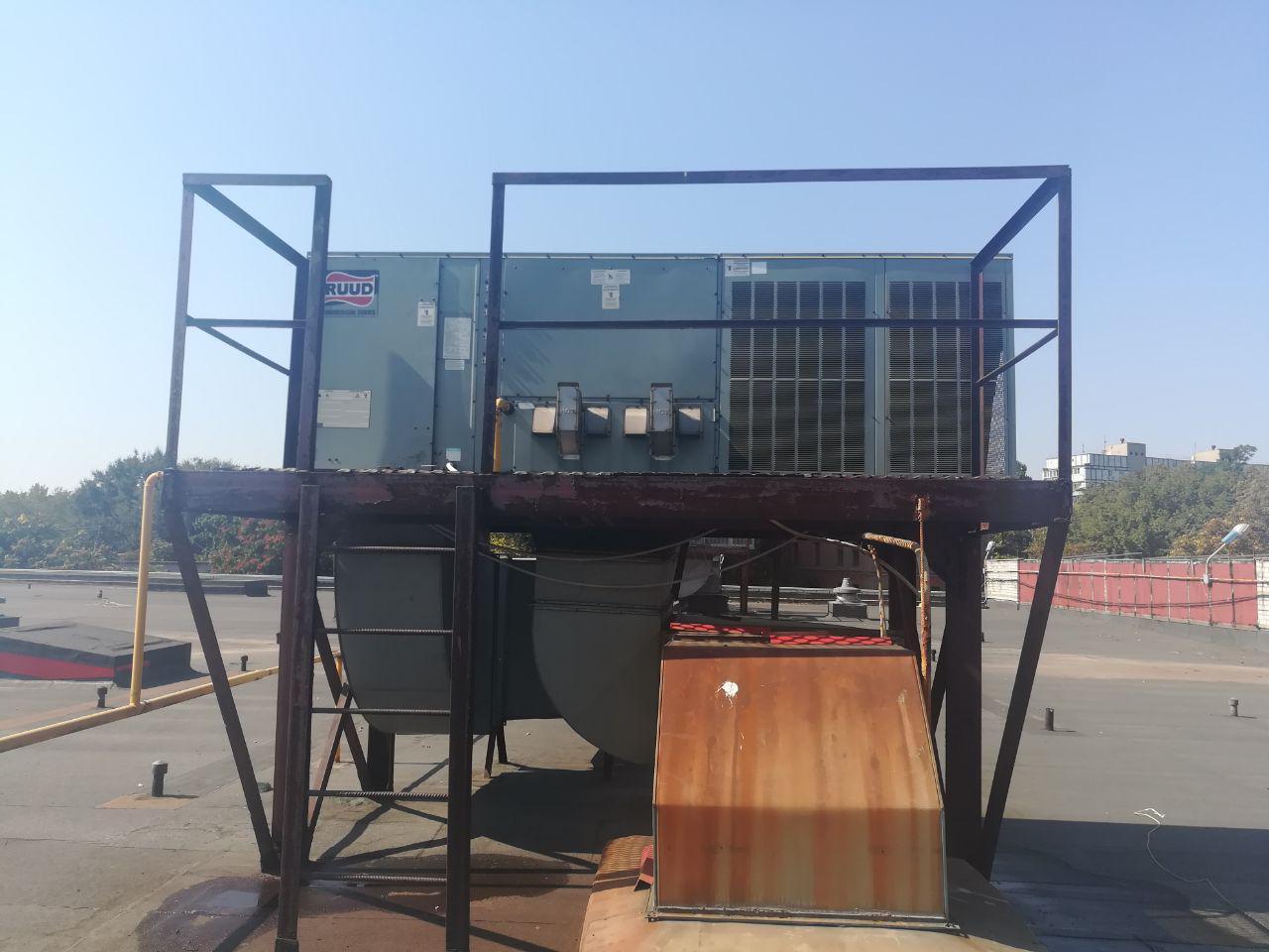 Фото Профилактика руфтопа (крышного кондиционера) - была проведена комплексная диагностика, замена контакторов, прочистка фильтров.
