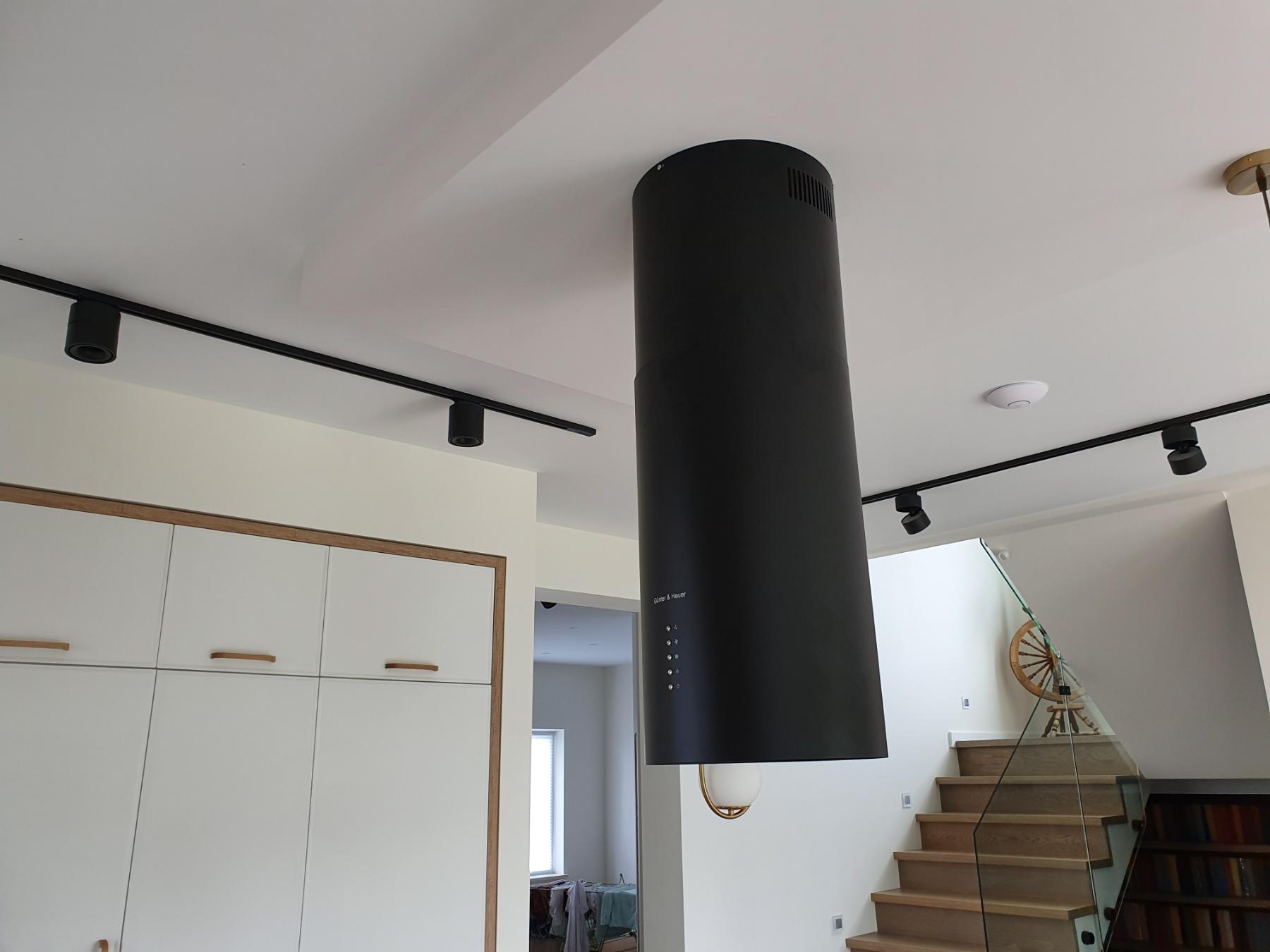 Фото Установка вытяжки на потолок из гибсокартона.