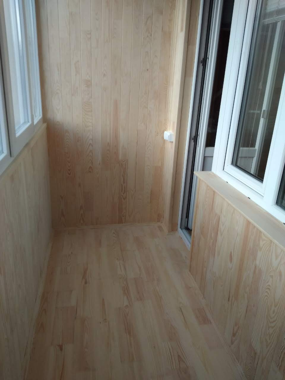 Фото Монтаж деревянной вагонки 100 м2 ,устройство перил второго этажа,4 дня