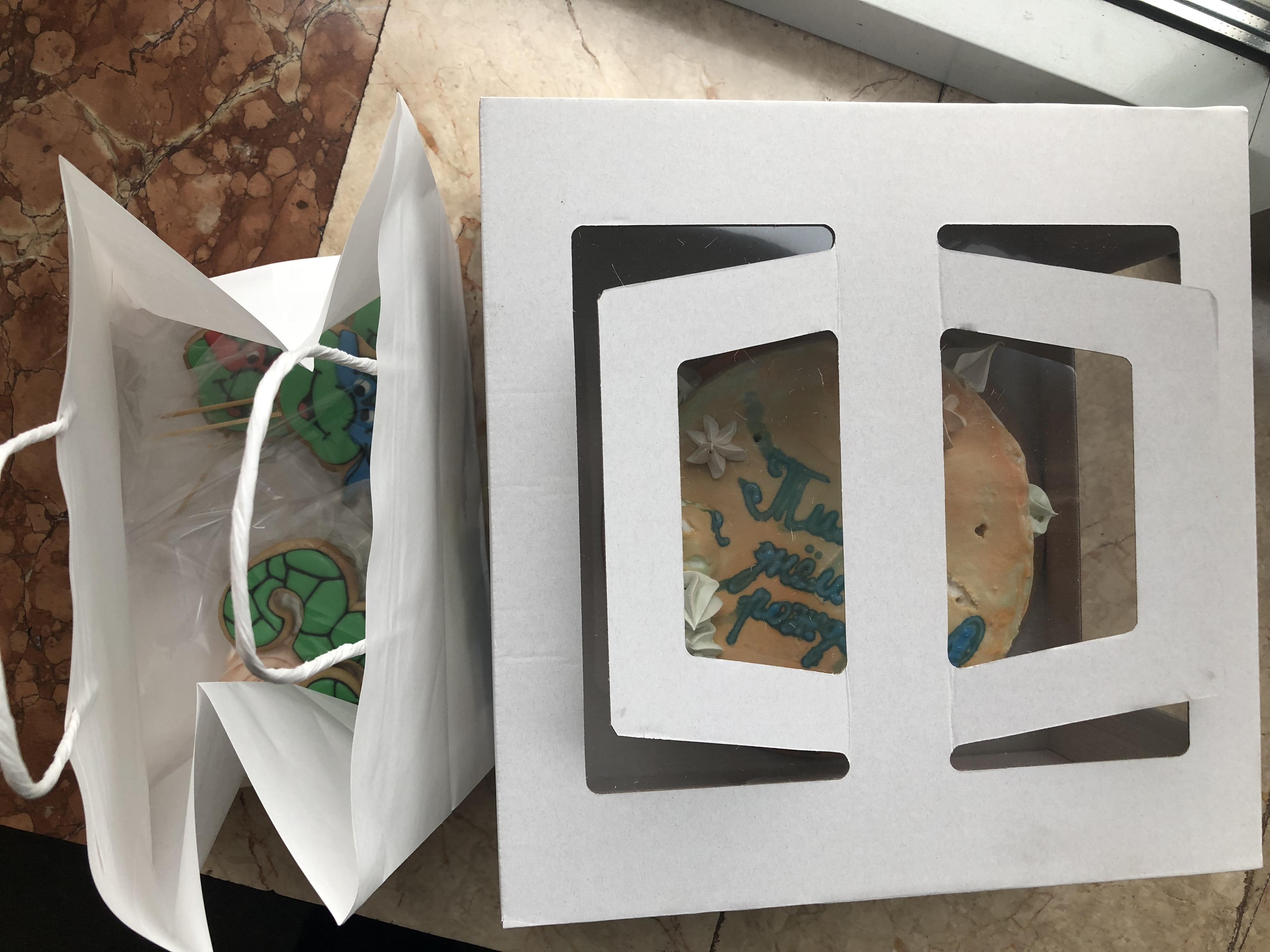 Фото Доставка пряников и торта ручной работы