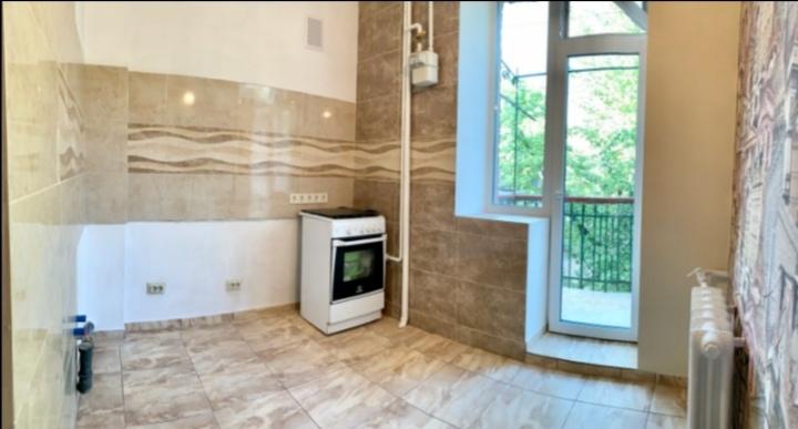Фото Выравнивание стен, шпаклёвка, покраска, поклейка, откосы, укладка кафеля