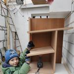 Установка и навешивание полок и шкафчиков