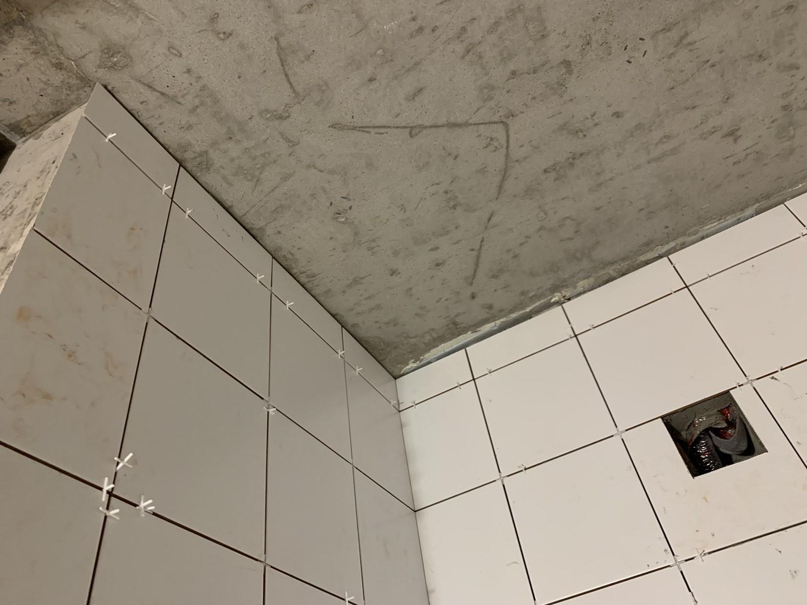 Фото Укладка плитки на стену