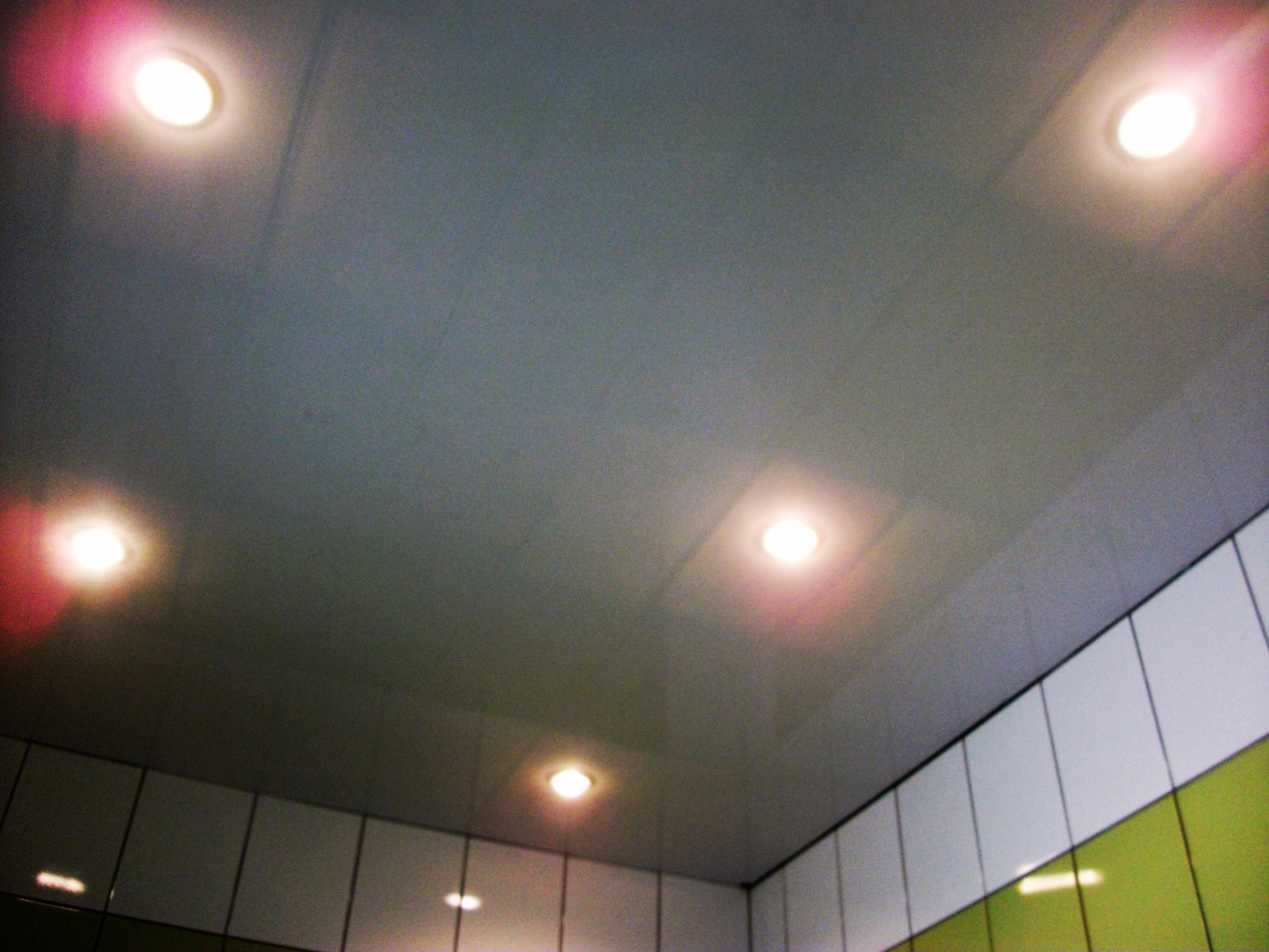 Фото Пластиковый потолок