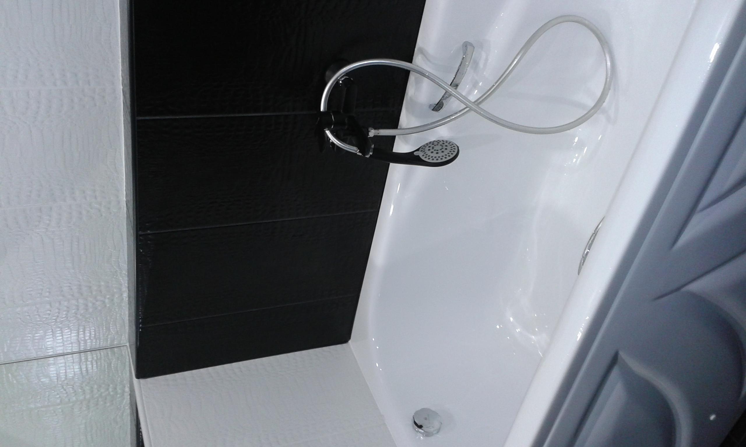 Фото Уборка ванной комнаты.