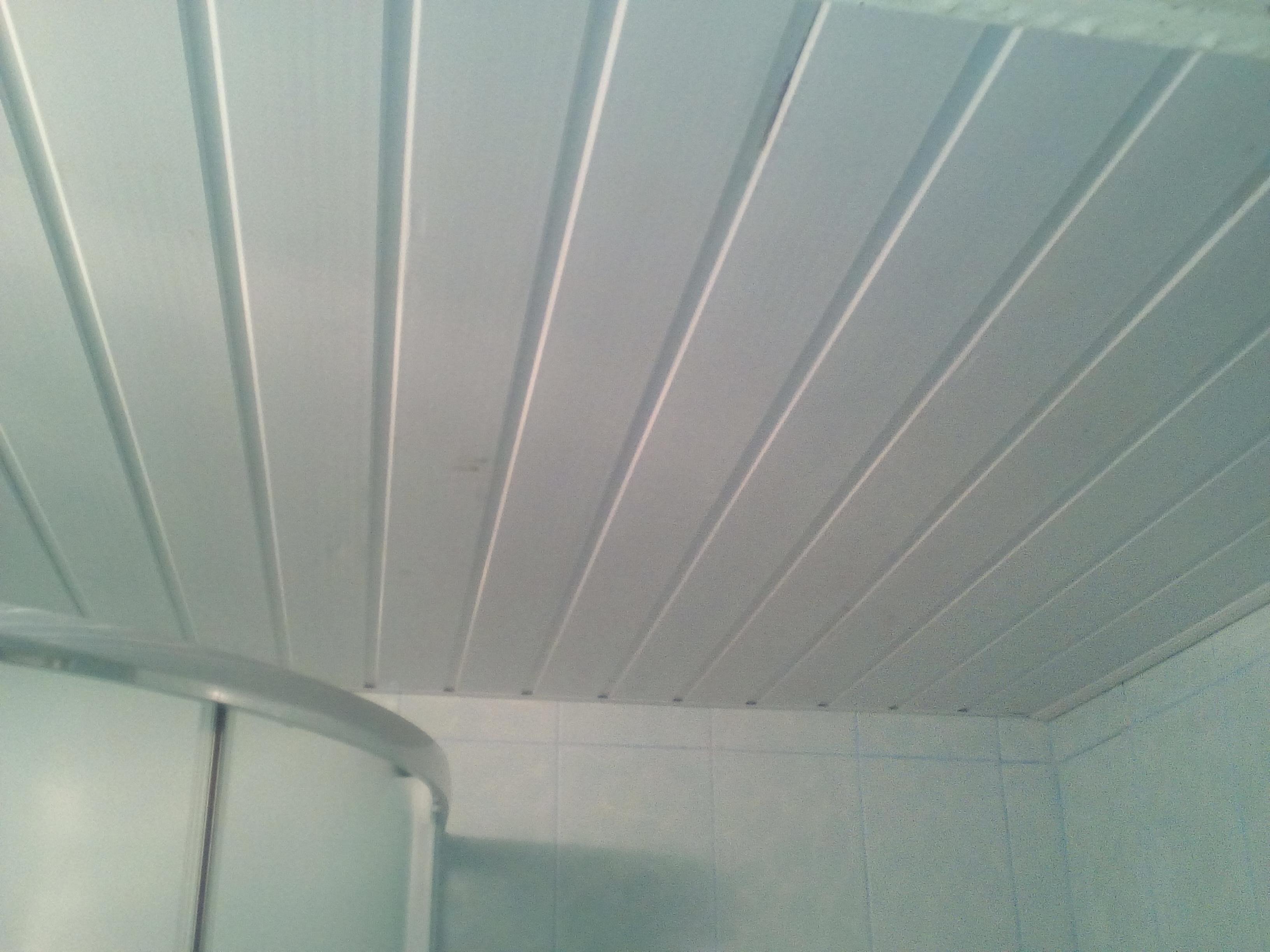 Фото Потолок вагонка,в ваной комнате,2дня