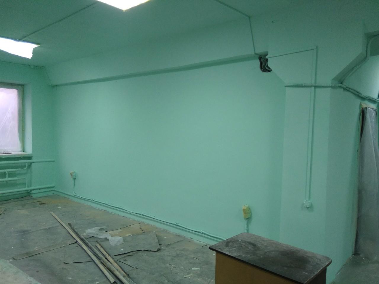 Фото Покраска стен в производственном помещении.