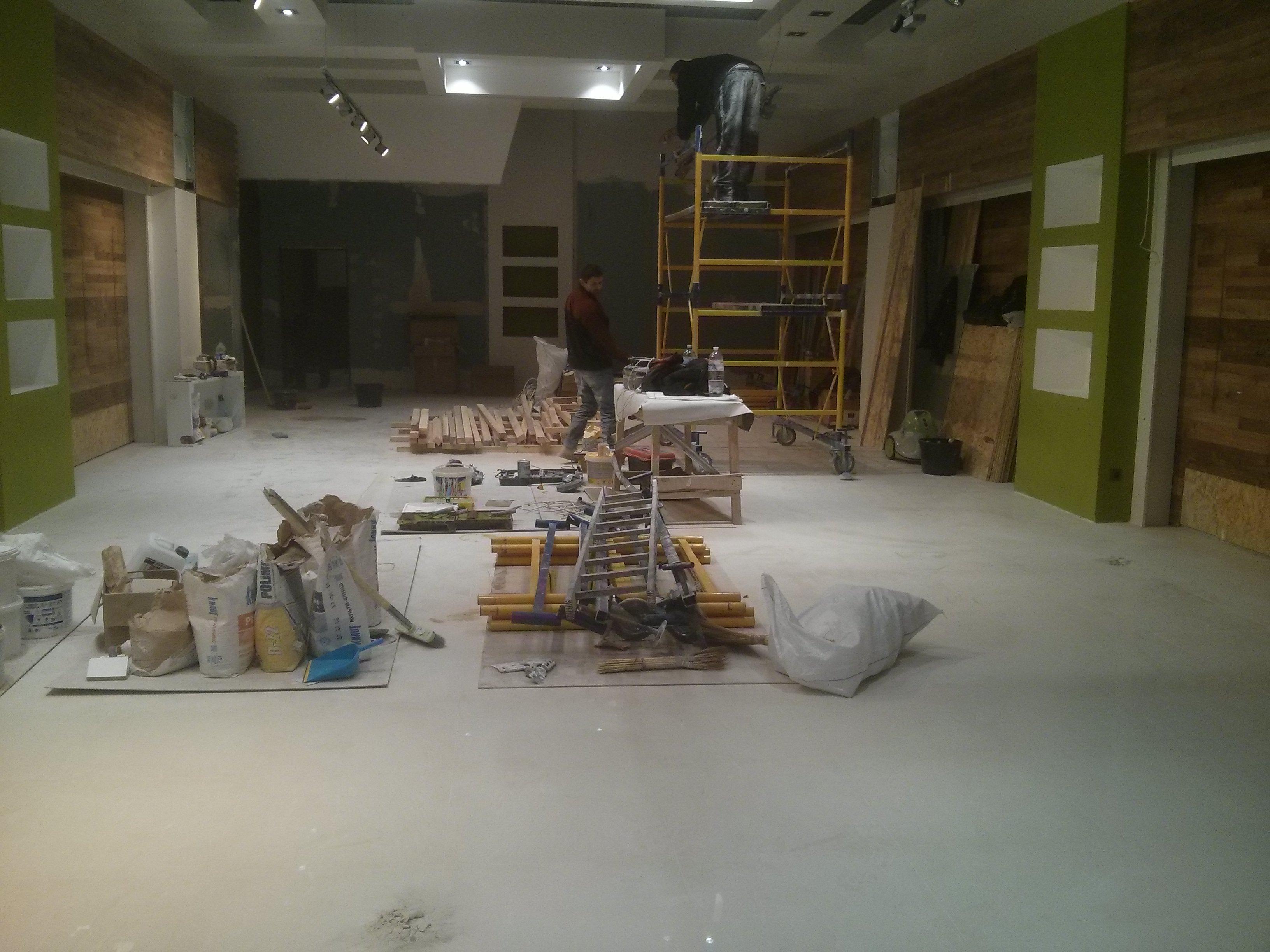 Фото уборка помещения  200 м2 (До)