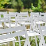 Аренда свадебных стульев, прокат стульев для выездной церемонии, свадебные стулья в аренду