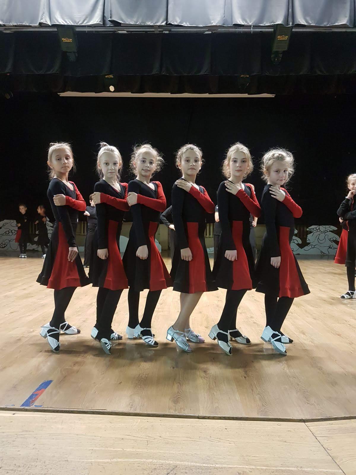 Фото Массовый пошив танцевальной одежды