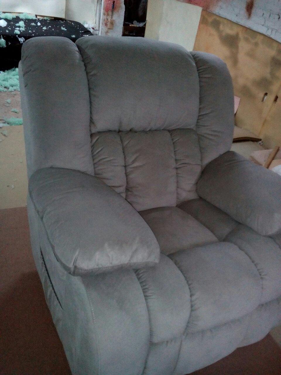 Фото Перетяжка/реставрация любой мягкий мебели  4