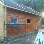 Покрытие лаком домов, бань, балконов из древесины