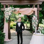 Интеллигентный ведущий на свадьбу