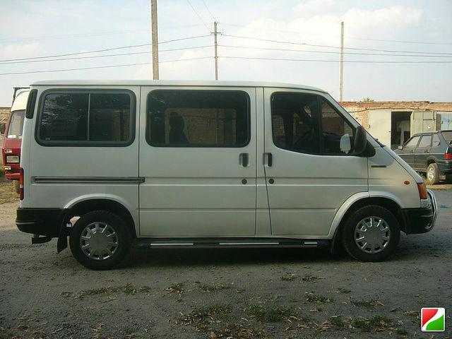 Фото Микроавтобус Форд транзит. Перевезу груз до 2 м длинной ,до 1 тонны 1