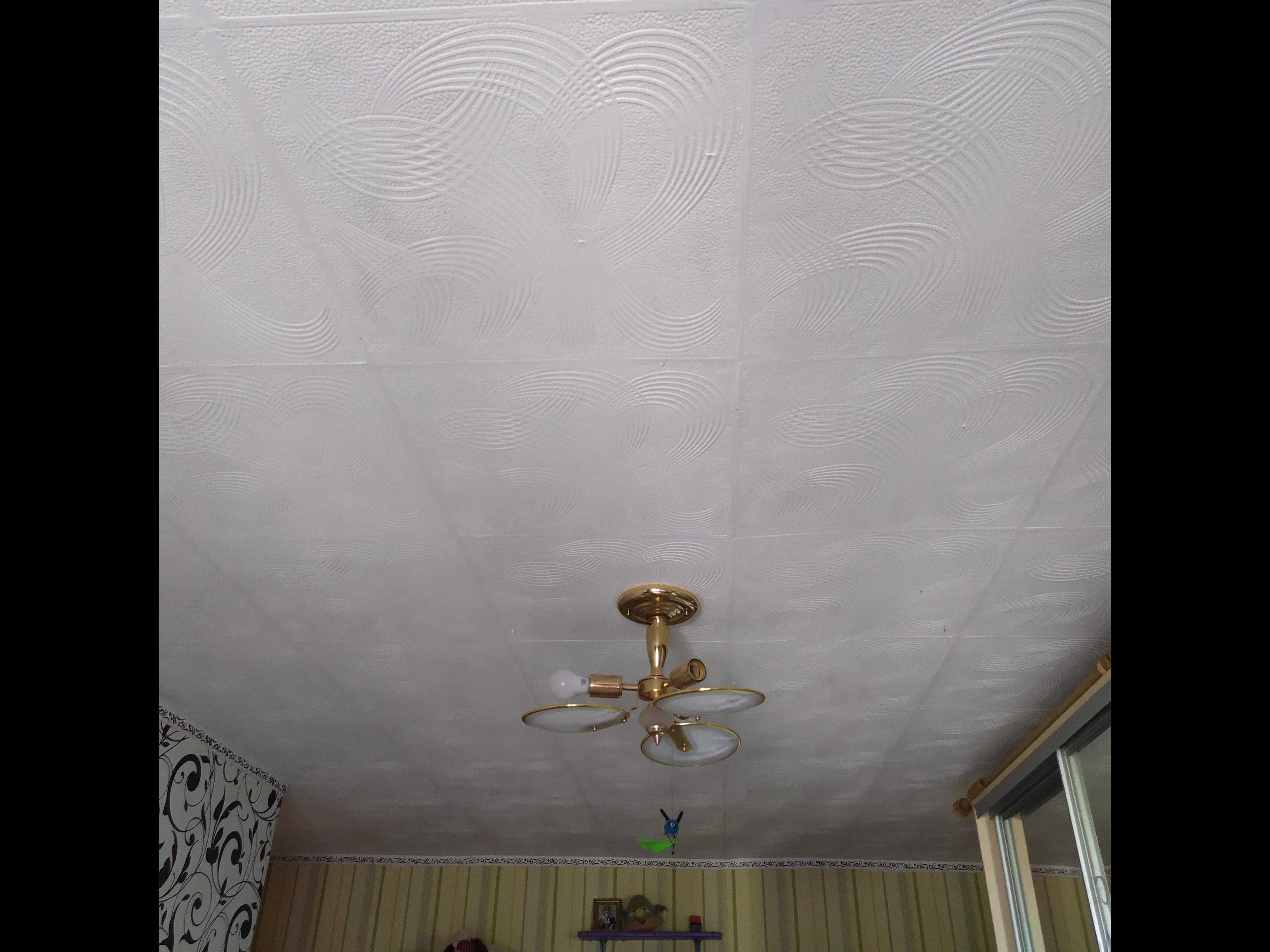 Фото Потолок 18 квадратов, поклейка потолка из пинопластовых плит за 2дня.