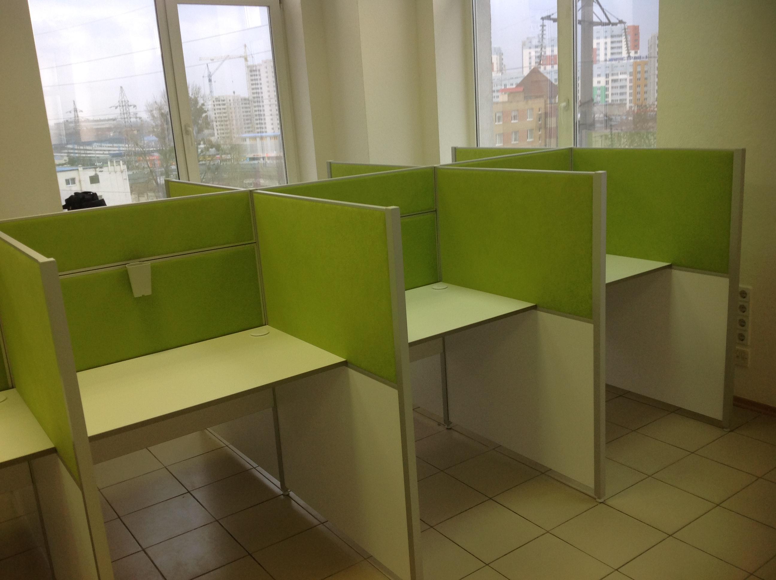 Фото Сборка столов для кул-центра.