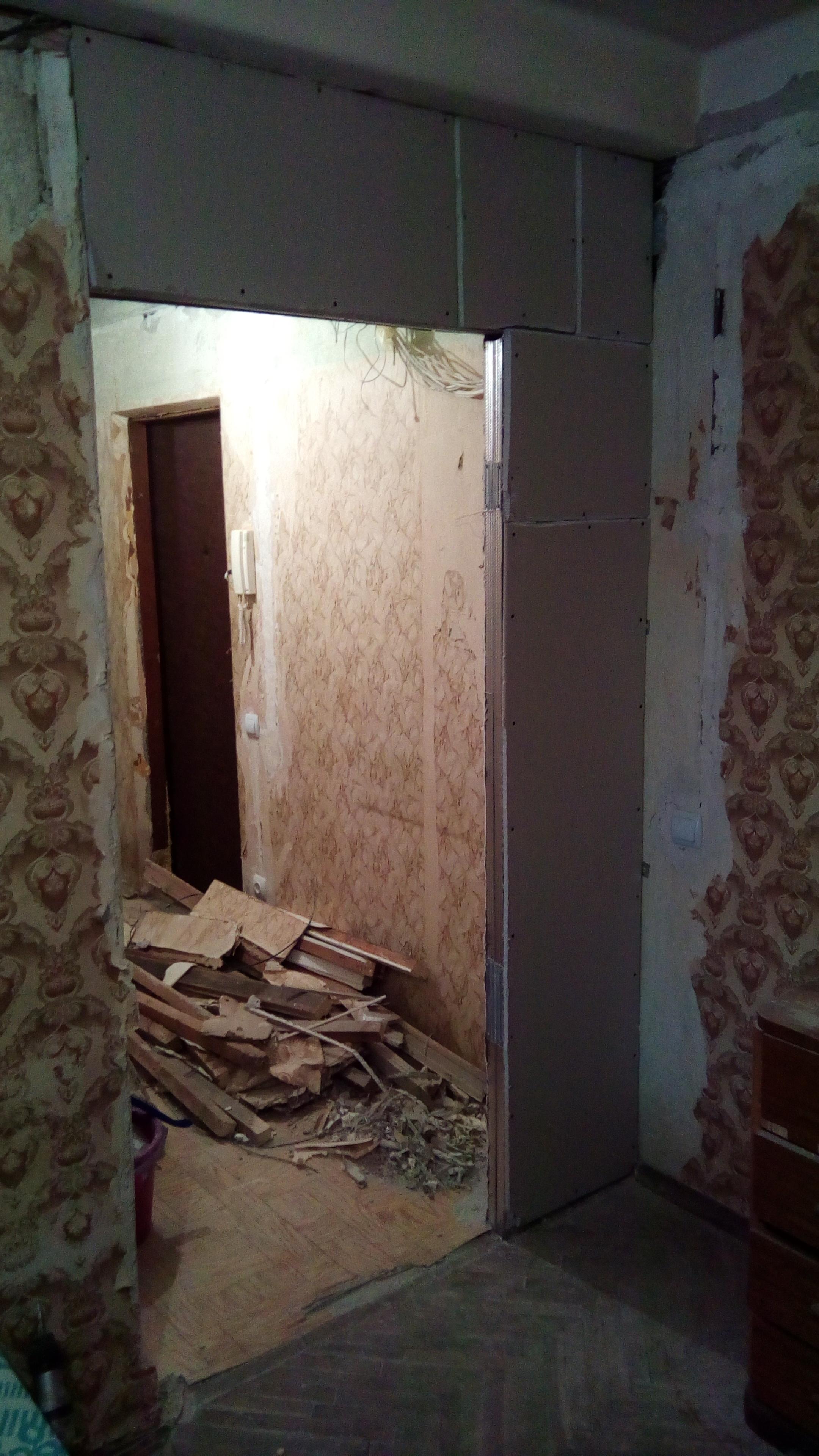 Фото Проход под дверь