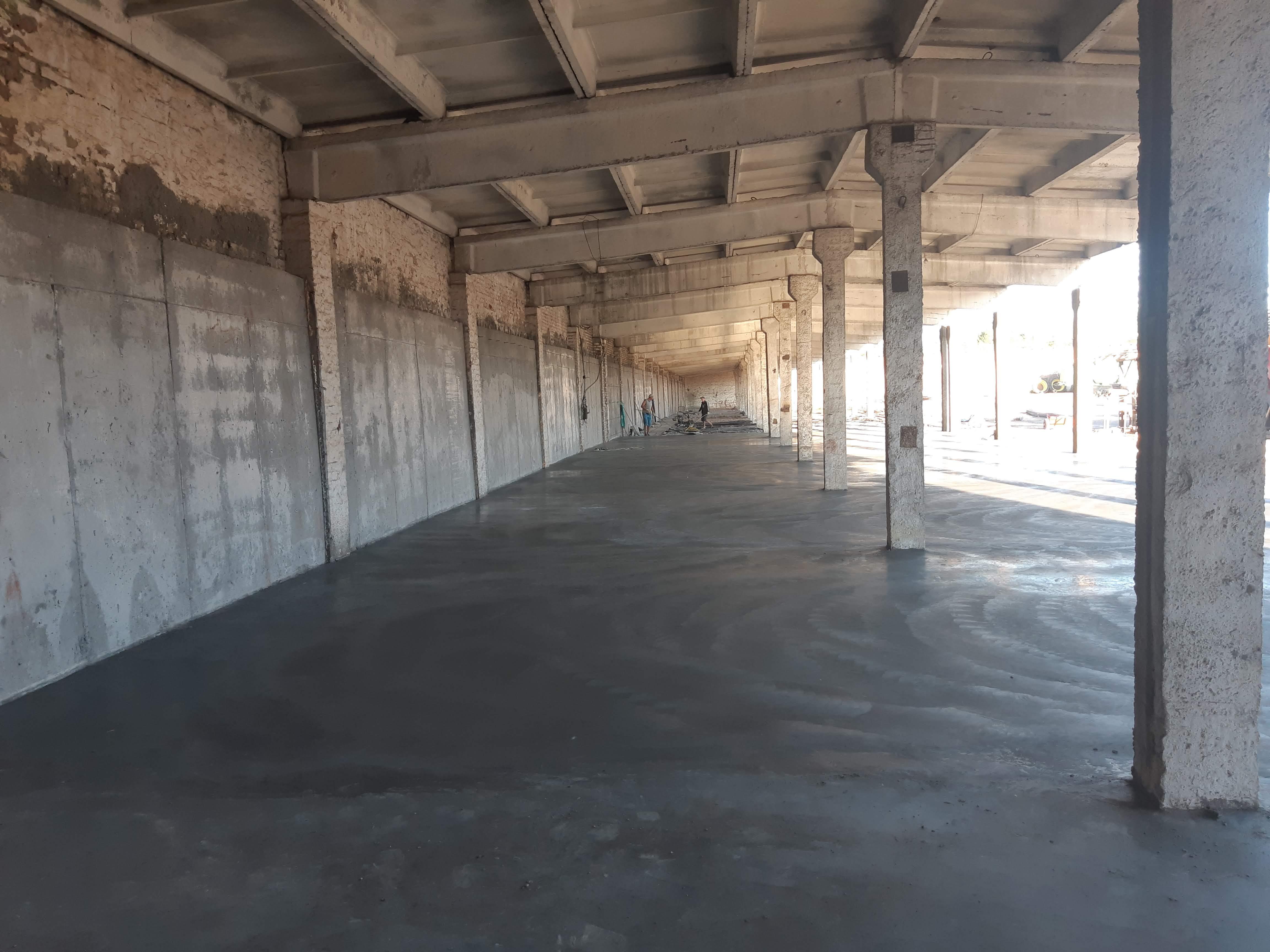 Фото Монтаж бетонного пола с применением технологии «топпинг» 1