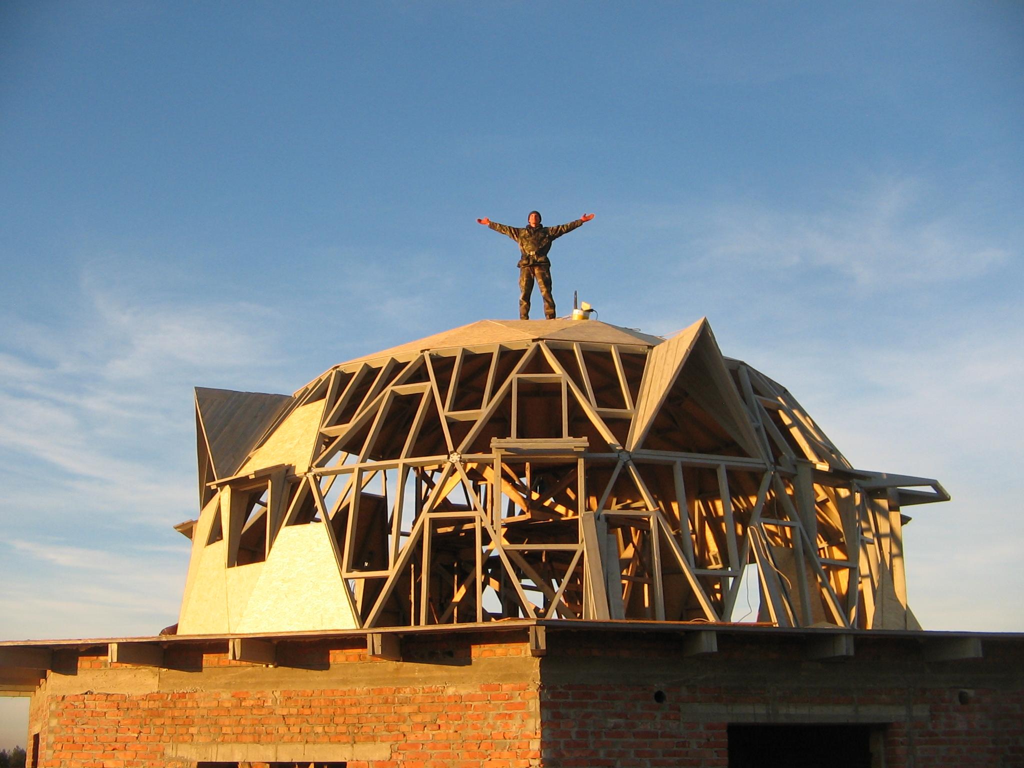 Фото Строительство купольного дома.