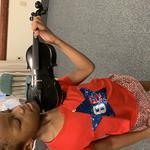 Занятия по скрипке вживую и онлайн . Возможно преподавание на английском языке .