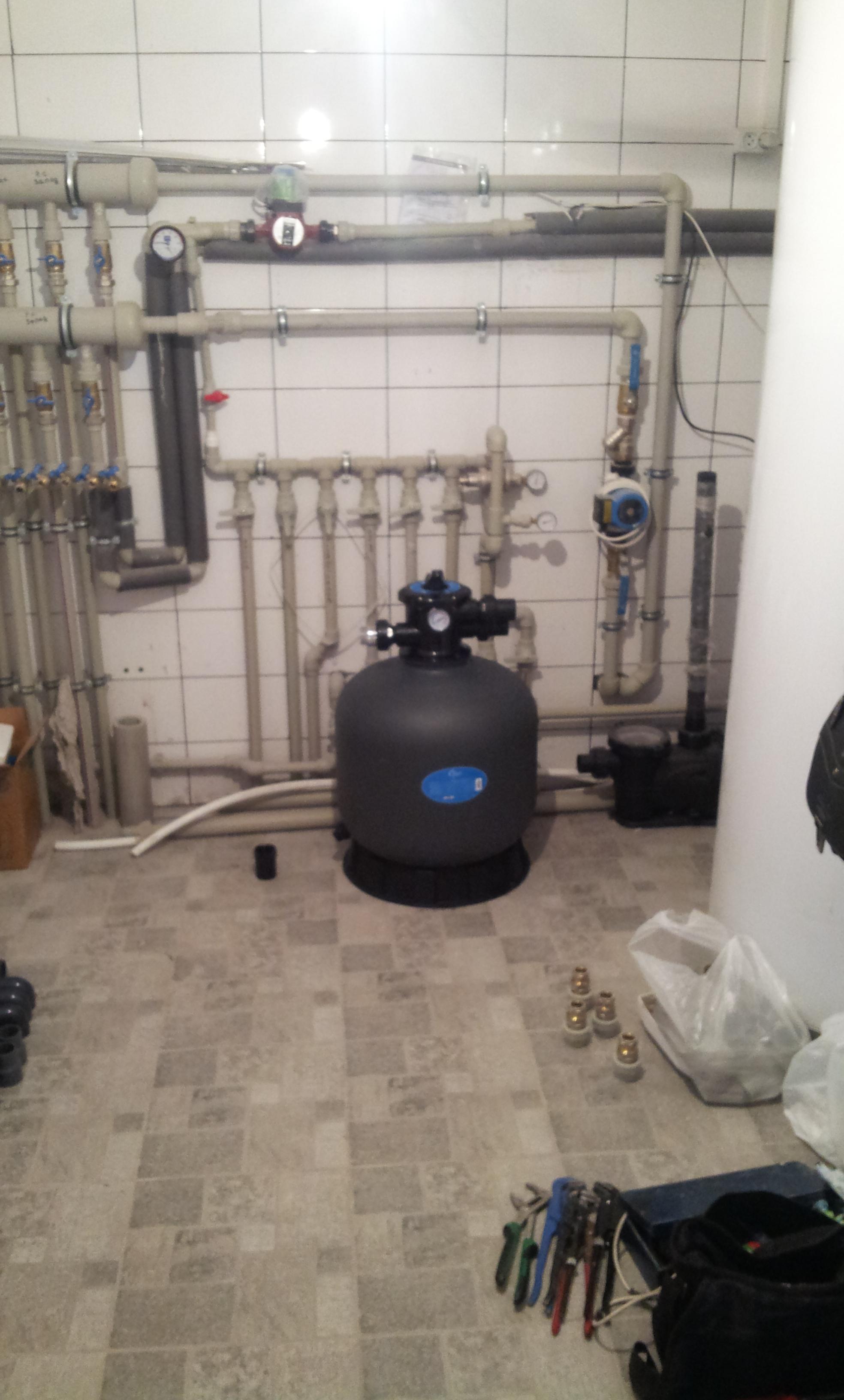 Фото Собрал весь элеватор в подвале частного дома . Крыжановка. Узлы :холодная горячая вода,отопление,фильтр бассейна,бойлеры.