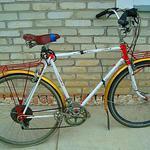 Ремонт и реставрация велосипедов.