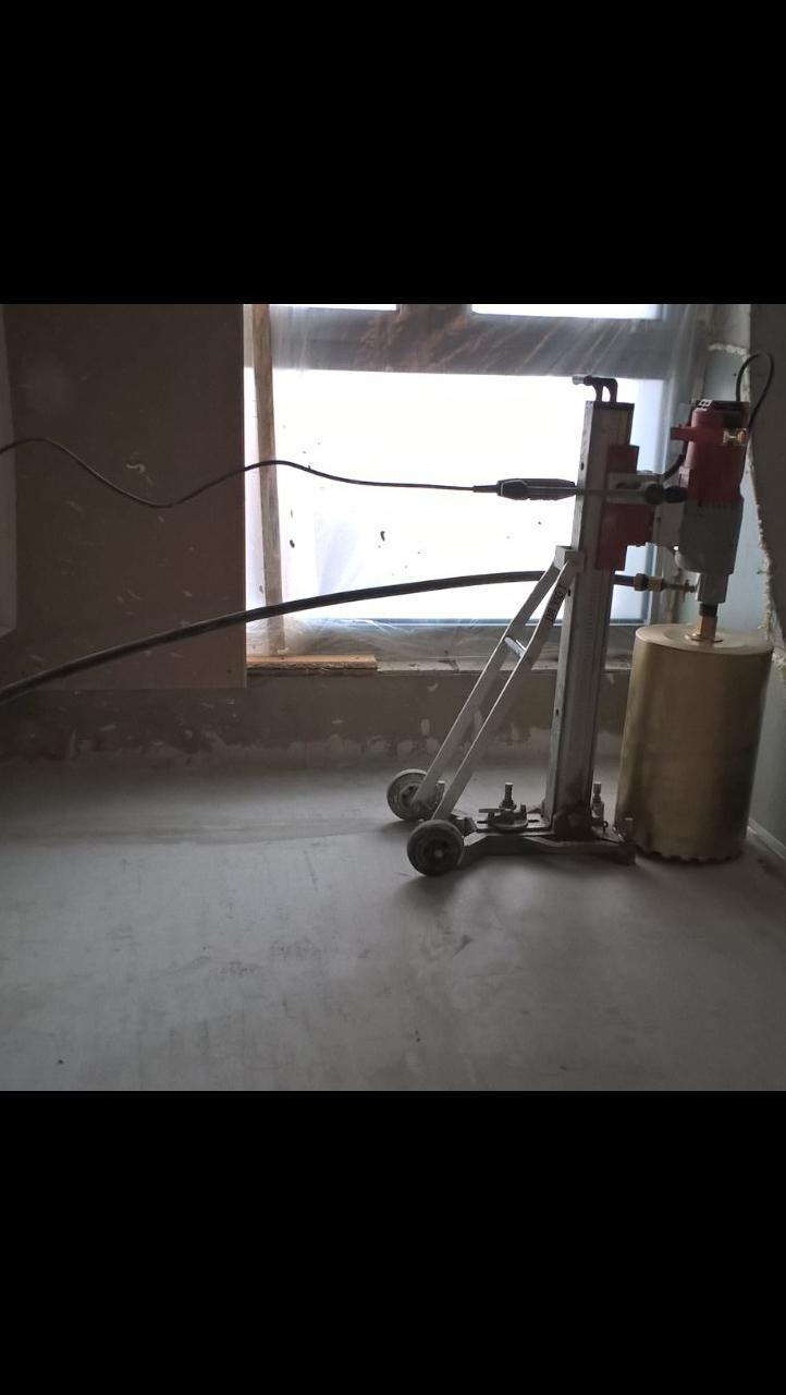 Фото Сверление отвестий под вытяжку, вентиляцию, под трубы