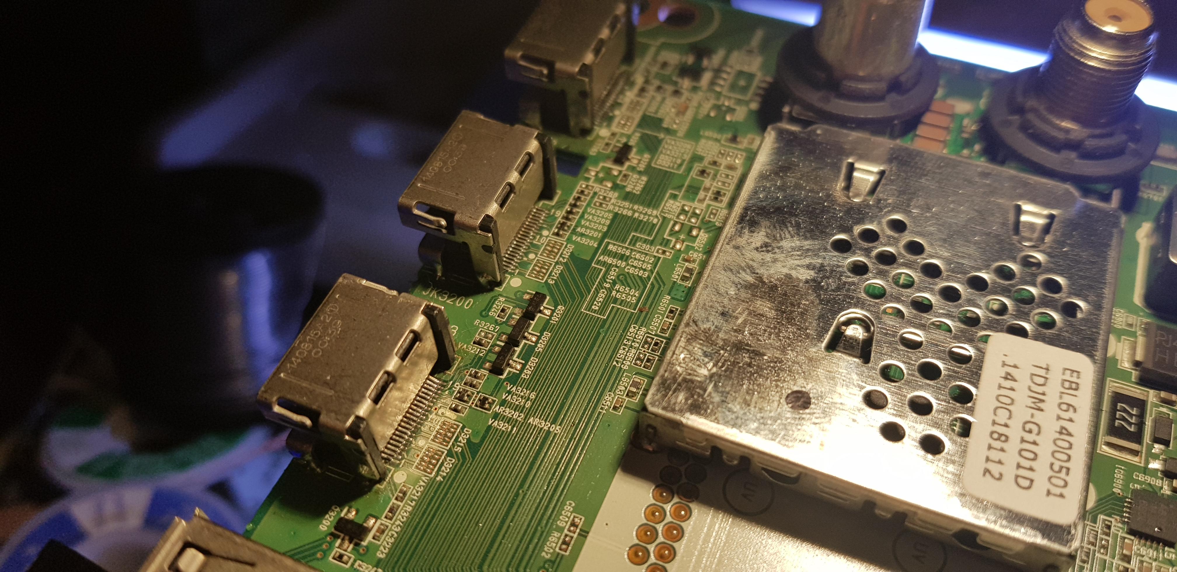 Фото Запаяны 3 шт. HDMI