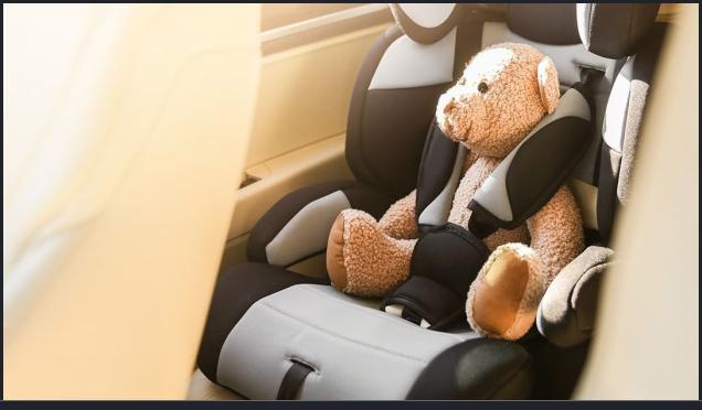 Фото Автомобиль с  детским автокреслом. Поездки к врачу 1