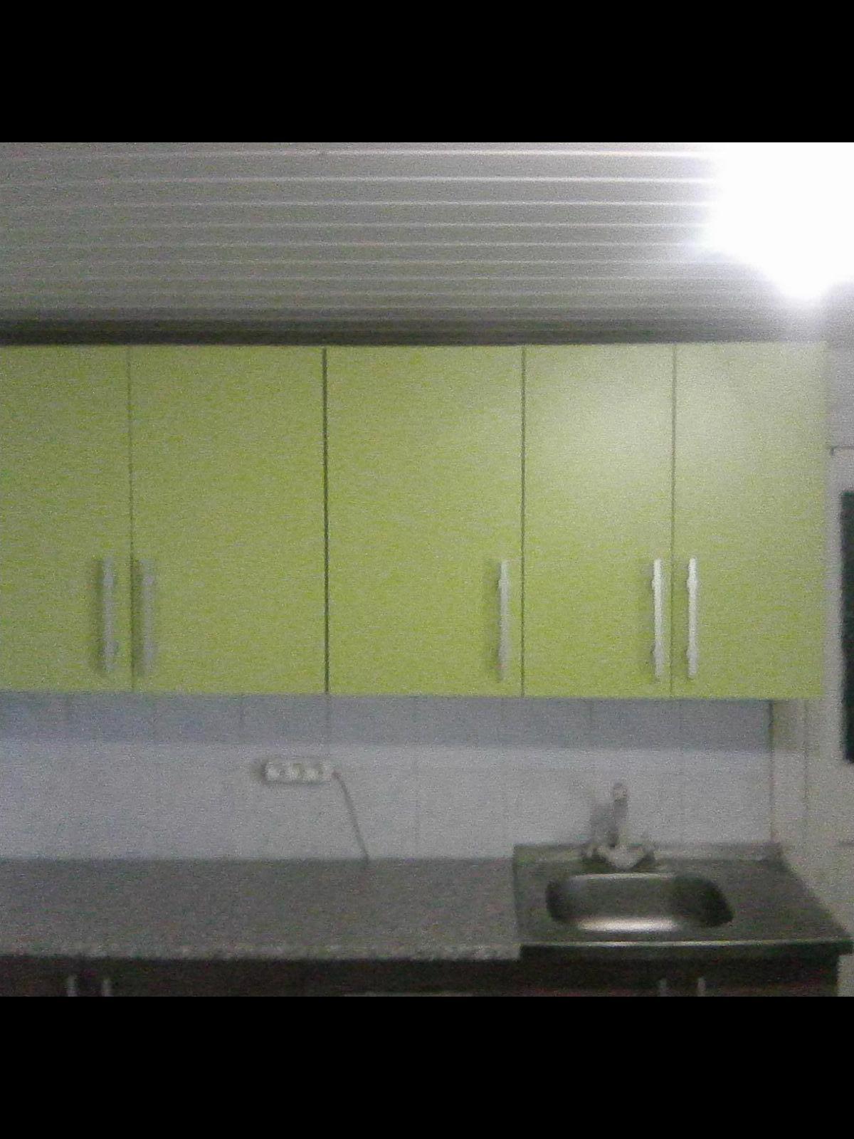 Фото Сборка кухонного набора и закрепление шкафчиков на стене