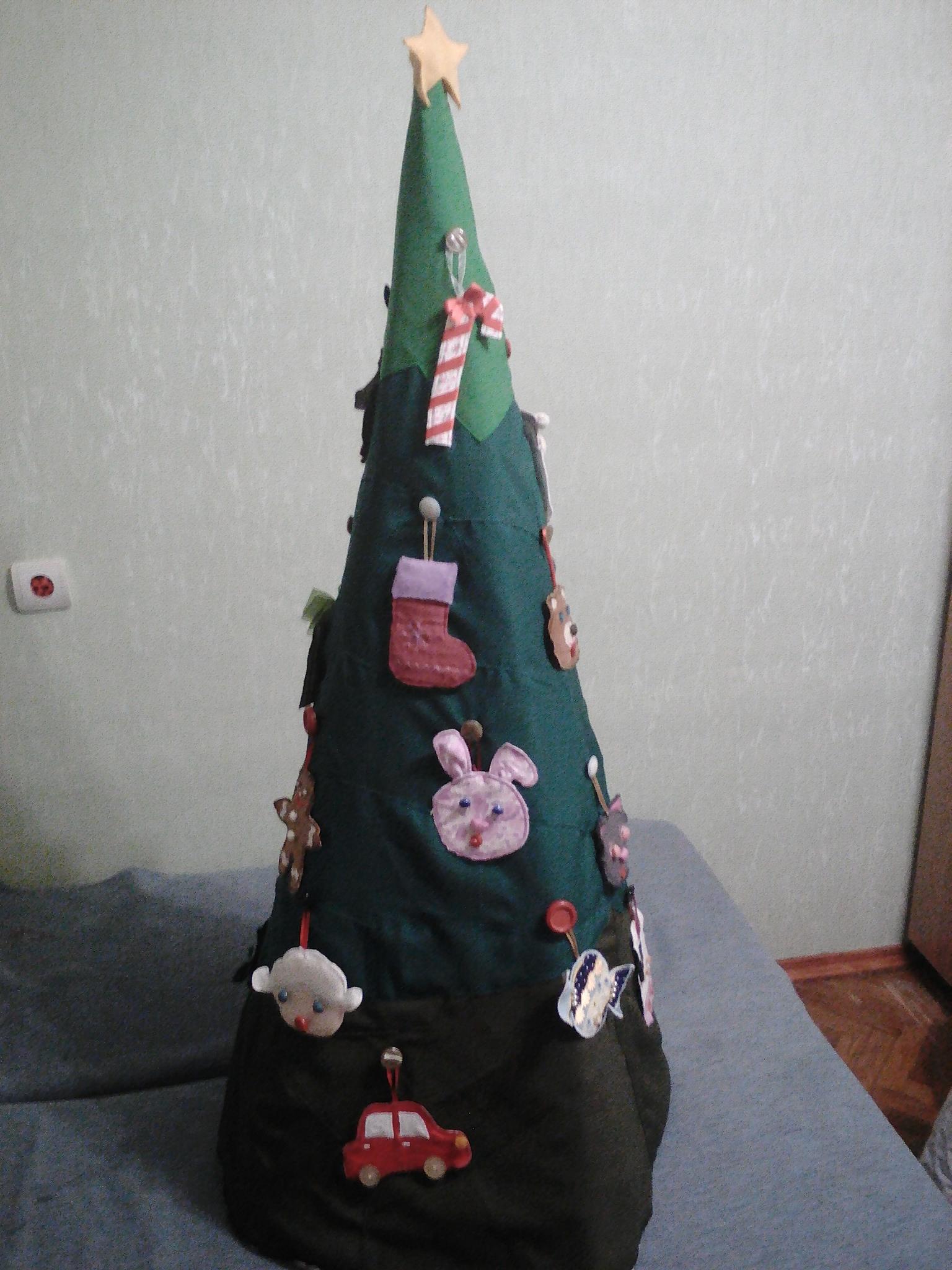 Фото Виготовлення ялинки і іграшок з текстилю для дітей 1-3 років