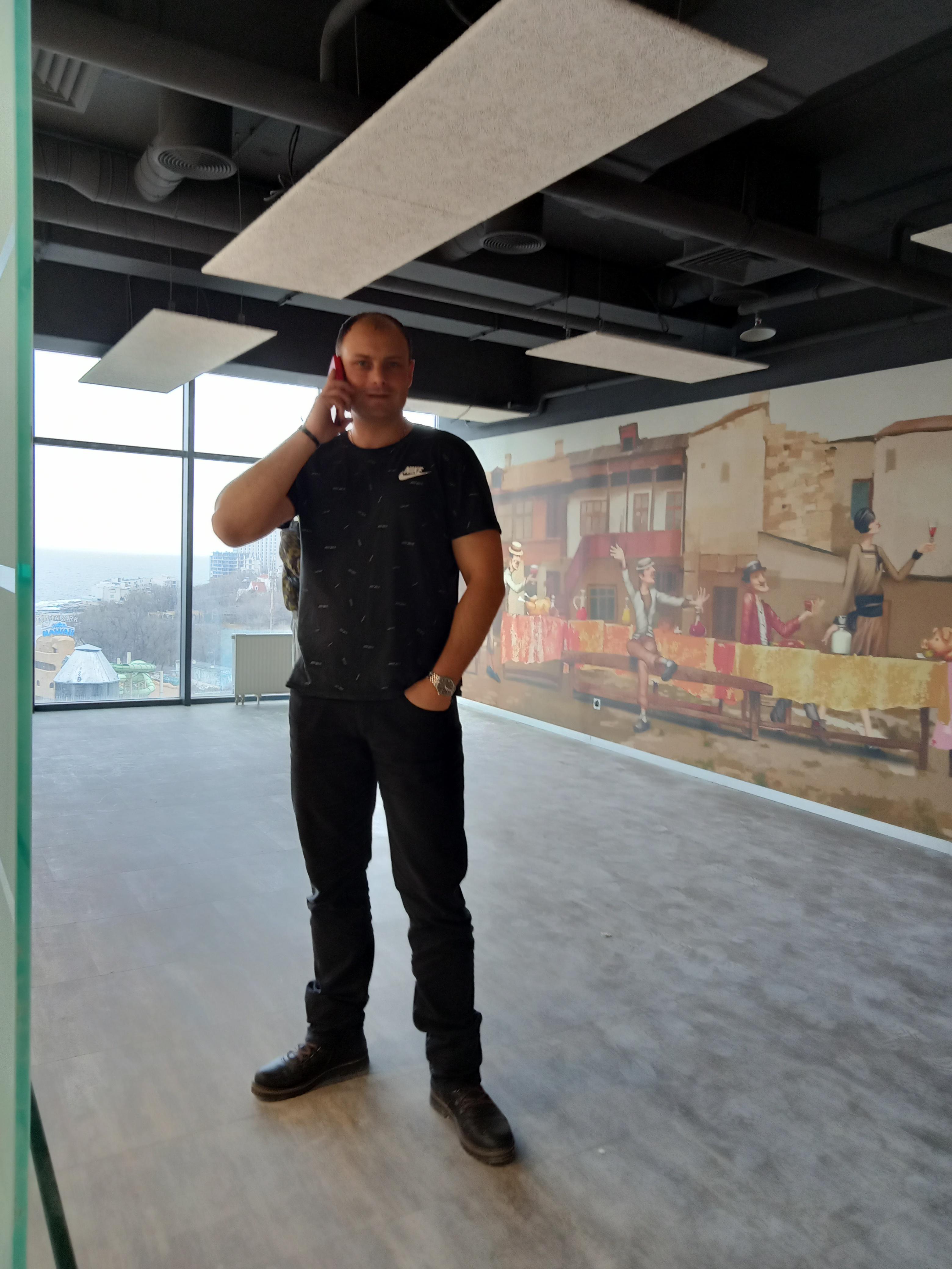 Фото Поклейка обоев на Гагаринском Плато 5. Новый офис Сельпо. Более 200 квадратных метров.