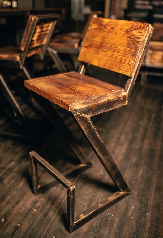 Фото производство барного стула. 1 день