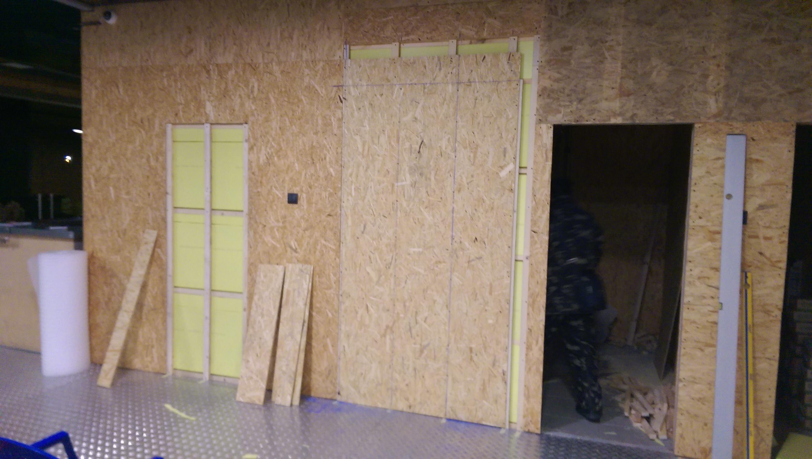Фото Перепланировка коммерческого помещения. Демонтаж старых перегородок и монтаж новых.