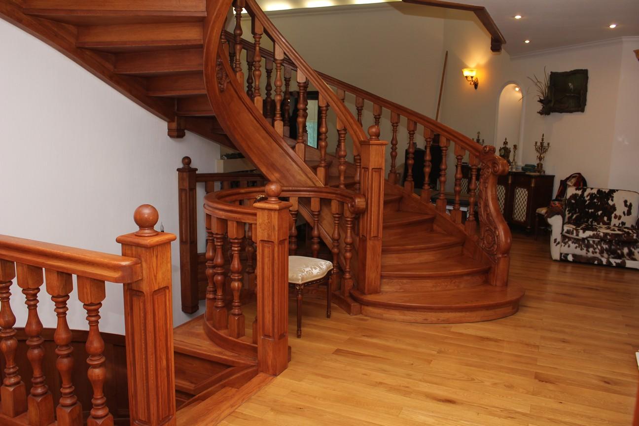 Фото Лестницы из дерева на заказ по индивидуальному проекту, фото работ !!! 1