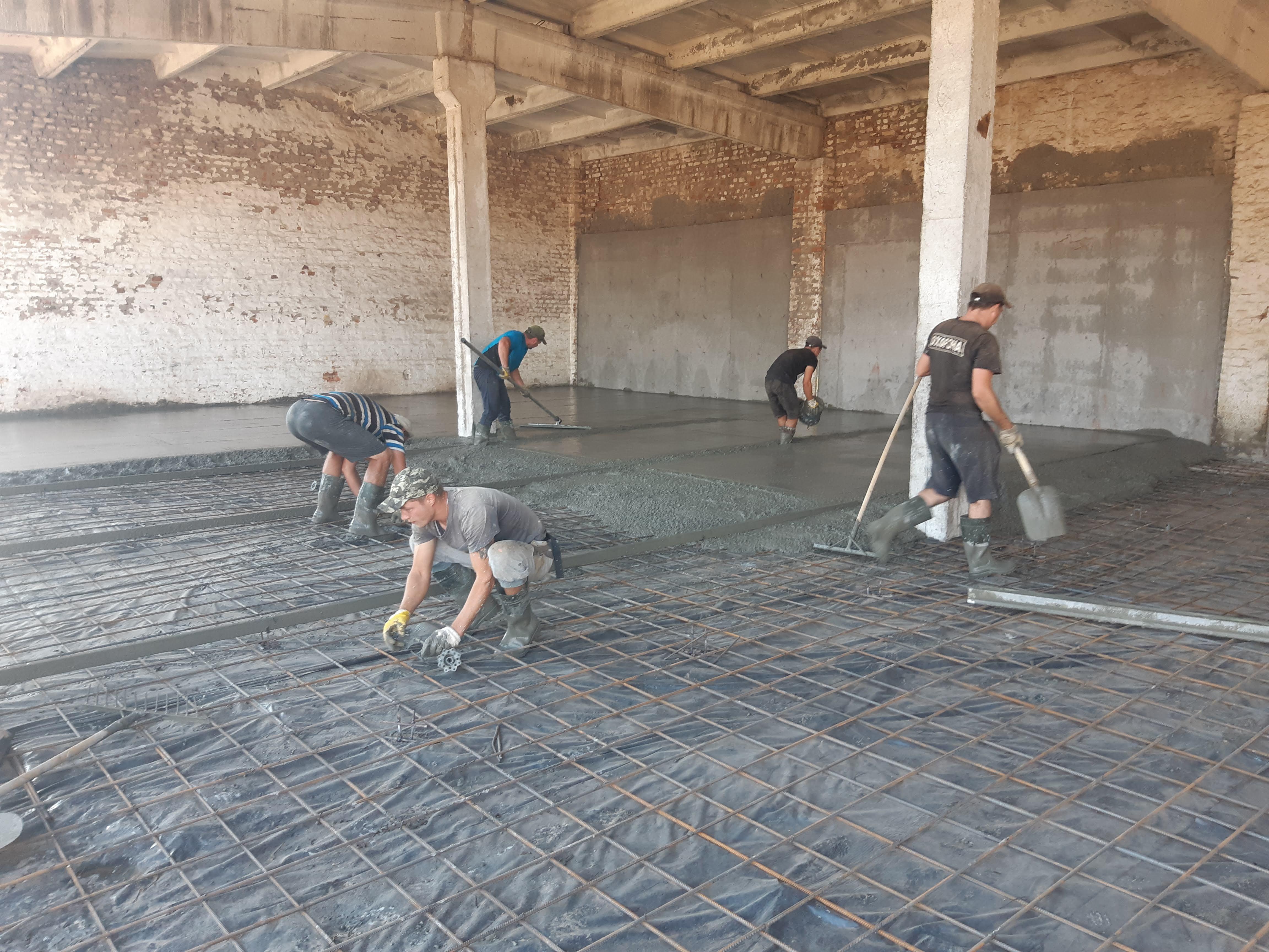 Фото Монтаж бетонного пола с применением технологии «топпинг» 3